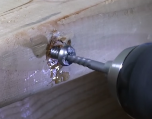Screw Extractor in action